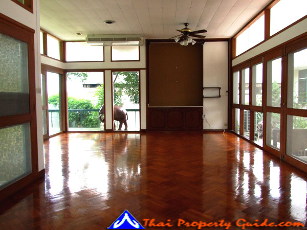 House for rent in New Petchburi