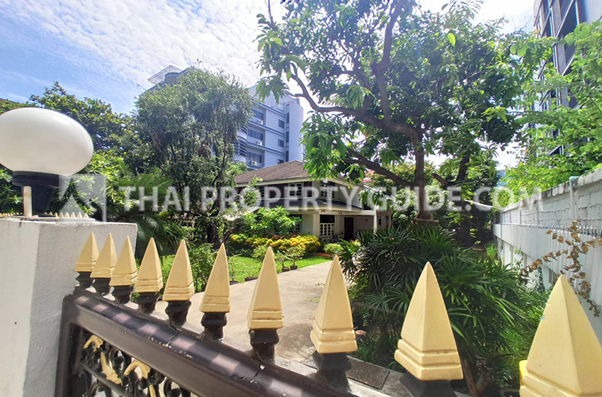 House for rent in Ploenchit