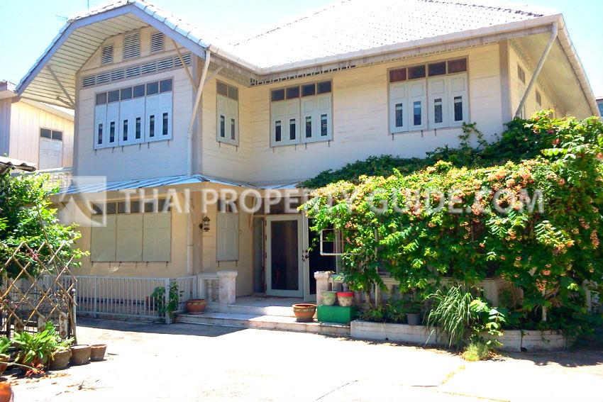 House for rent in Sathorn