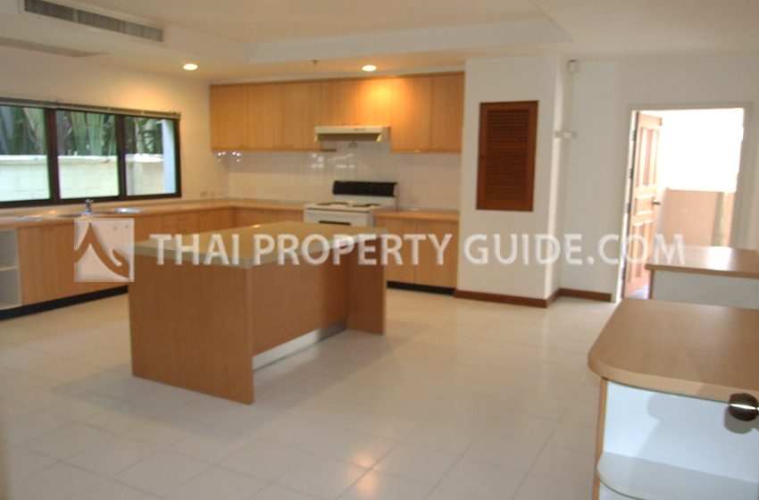 House with Private Pool in Nichada Thani