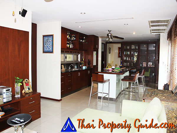House with Private Pool for rent in Pattanakarn