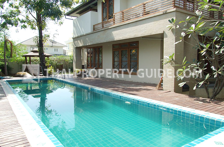 House with Private Pool for rent in Ramkhamhaeng