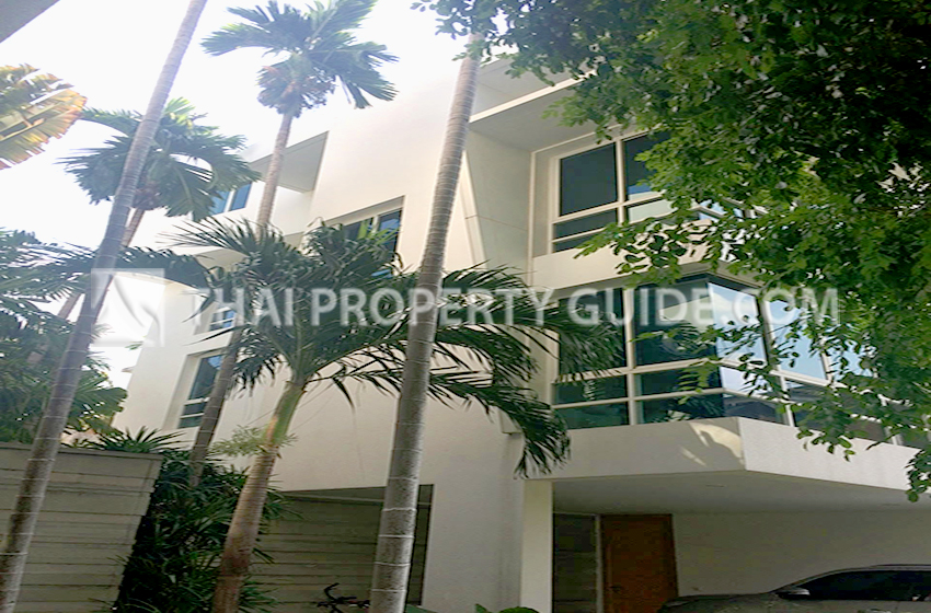 House with Private Pool for sale in Sathorn