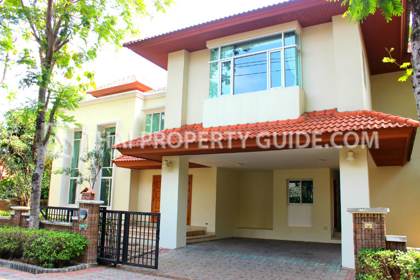 House with Shared Pool in Nichada Thani