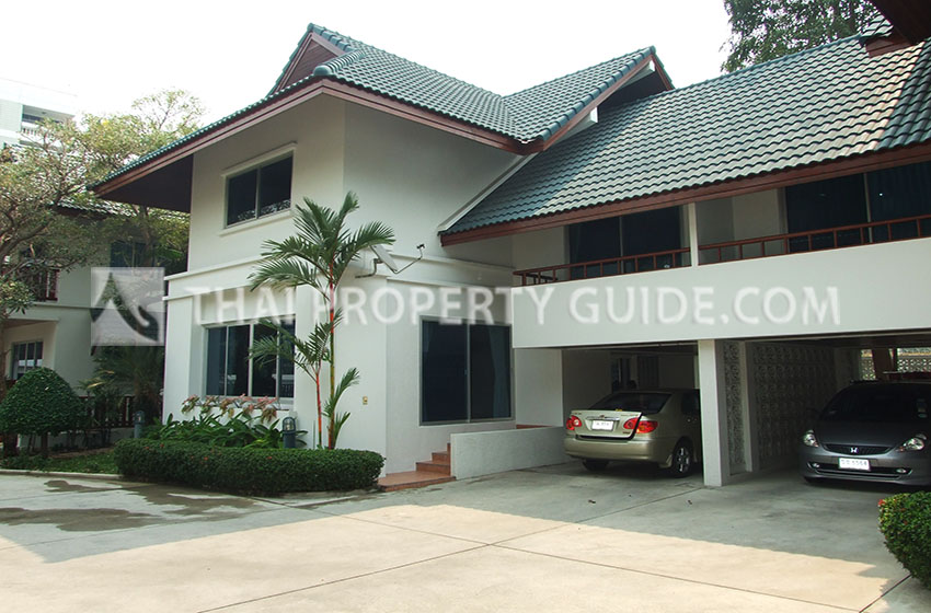 House with Shared Pool for rent in Sukhumvit