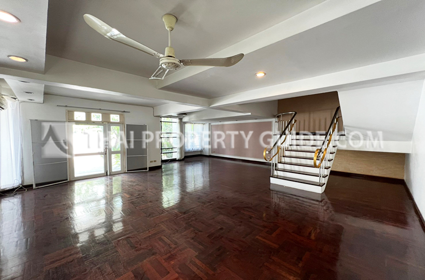 House With Share Pool for rent in Sukhumvit, Bangkok near BTS