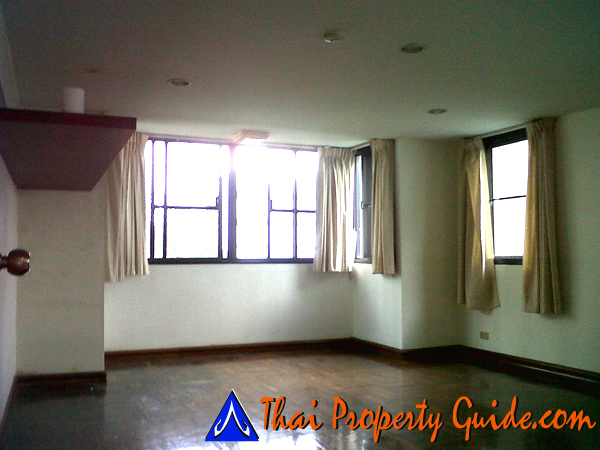 Townhouse for rent in Ploenchit